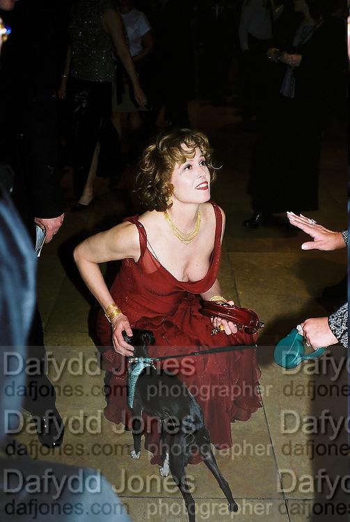 Sigourney Weaver and 'Sophia'. Post Golden Globes party. Beverley Hilton. 21 January 2001. © Copyright Photograph by Dafydd Jones 66 Stockwell Park Rd. London SW9 0DA Tel 020 7733 0108 www.dafjones.com