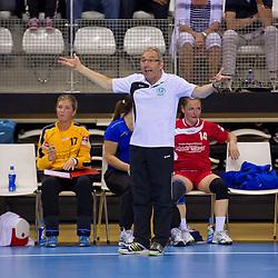 02-06-2011 HANDBAL: BEKERFINALE QUINTUS - SEW: ALMERE<br /> Coach Erik van der Wel<br /> ©2011-FotoHoogendoorn.nl / Peter Schalk