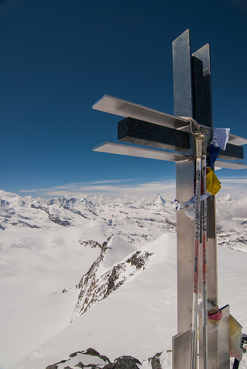 Cross on the summit of Strahlhorn