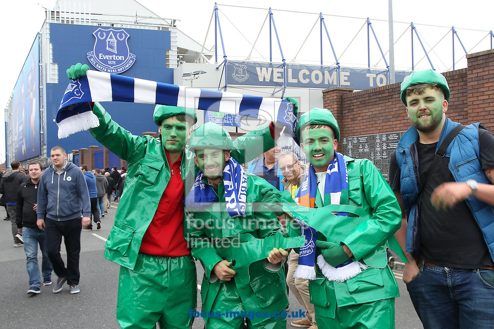 Everton fans prior to the Premier League match against West Ham United at Goodison Park, Liverpool.<br /> Picture by Michael Sedgwick/Focus Images Ltd +44 7900 363072<br /> 30/10/2016