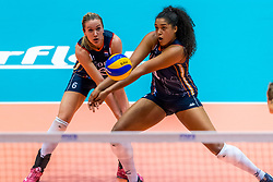 06-06-2018 NED: Volleyball Nations League Netherlands - Italy, Rotterdam<br /> Maret Balkestein-Grothues #6 of Netherlands, Celeste Plak #4 of Netherlands