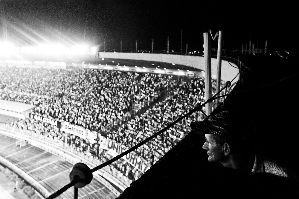 Belo Horizonte_MG, 29 de abril de 2010...A Massa / Copa do Brasil...Torcedores Atleticanos no jogo de ida das quartas de final da Copa do Brasil. ..Final: Atletico 3 x 2 Santos...Foto: NIDIN SANCHES / NITRO