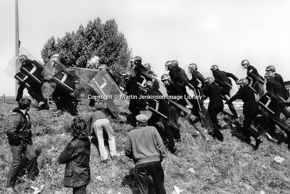British police use riot shields and helmets for the first time in an industrial dispute at the Orgreave Coke works during the 1984-85 Miner's strike. 29/05/1984.