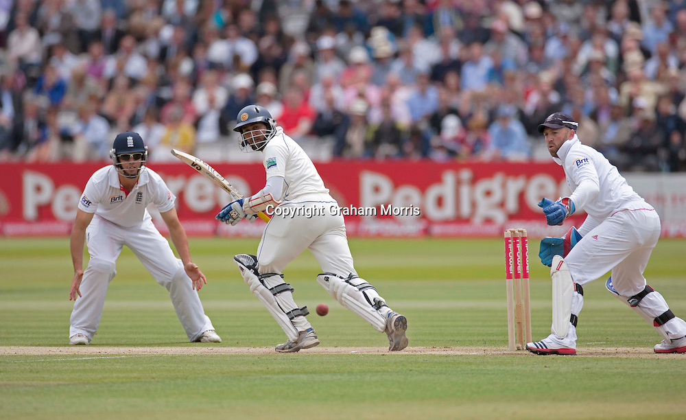Tillakaratne Dilshan bats during the second npower Test Match between England and Sri Lanka at Lord's.  Photo: Graham Morris (Tel: +44(0)20 8969 4192 Email: sales@cricketpix.com) 05/06/11