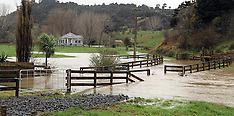 Auckland-Rain cause flooding and slips north of Auckland