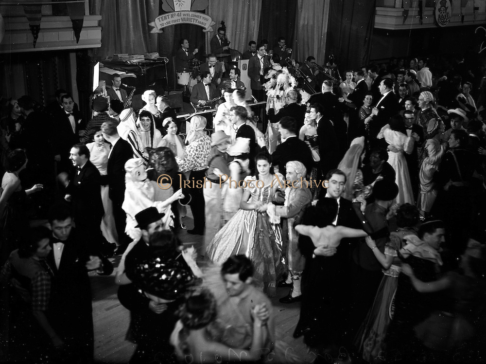 13/10/1952<br /> 10/13/1952<br /> 13 October 1952<br /> Variety Club of Ireland Dance at the Metropole Hotel, Dublin.