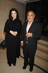 SIR ALAN YENTOB and NIGELLA LAWSON at 'Figures of Speech' a fundraising gala dinner in aid of the ICA held at the Lawrence Hall, Greycoat Street, London on 27th February 2008.<br /><br />NON EXCLUSIVE - WORLD RIGHTS
