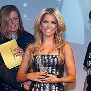 NLD/Amsterdam/20121112 - Beau Monde Awards 2012, Sylvie van der Vaart en Leontien Borsato