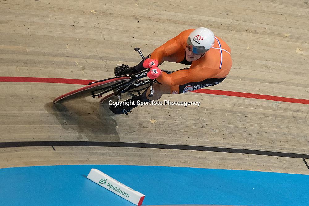 04-03-2018: Wielrennen: WK Baan: Apeldoorn<br />Jeffrey Hoogland plaatst zich als eerste voor de finale kilometer en rijdteen wereldrecord laagland 59,517