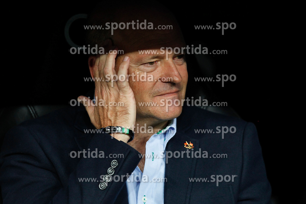 29.08.2015, Estadio Santiago Bernabeu, Madrid, ESP, Primera Division, Real Madrid vs Real Betis, 2. Runde, im Bild Real Betis&acute;s coach Pepe Mel // during the Spanish Primera Division 2nd round match between Real Madrid and Real Betis at the Estadio Santiago Bernabeu in Madrid, Spain on 2015/08/29. EXPA Pictures &copy; 2015, PhotoCredit: EXPA/ Alterphotos/ Victor Blanco<br /> <br /> *****ATTENTION - OUT of ESP, SUI*****