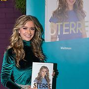 NLD/Utrecht/20191021 - Sterre Koning presenteert boek, Sterre Koning met haar boek