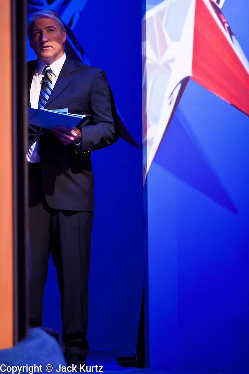 "22 FEBRUARY 2012 - MESA, AZ:      CNN anchor and debate moderator JOHN KING at the Arizona Republican Presidential Debate in the Mesa Arts Center in Mesa, AZ, Wednesday. It is the last debate before the Michigan and Arizona Republican primaries on Feb. 28 and ""Super Tuesday"" on March 6.      PHOTO BY JACK KURTZ"