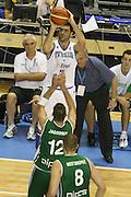 DESCRIZIONE : Alicante Spagna Spain Eurobasket Men 2007 Italia Slovenia Italy Slovenia <br /> GIOCATORE : Matteo Soragna<br /> SQUADRA : Nazionale Italia Uomini Italy <br /> EVENTO : Eurobasket Men 2007 Campionati Europei Uomini 2007 <br /> GARA : Italia Slovenia Italy Slovenia <br /> DATA : 03/09/2007 <br /> CATEGORIA : tiro <br /> SPORT : Pallacanestro <br /> AUTORE : Ciamillo&amp;Castoria/Fiba <br /> Galleria : Eurobasket Men 2007 <br /> Fotonotizia : Alicante Spagna Spain Eurobasket Men 2007 Italia Slovenia Italy Slovenia <br /> Predefinita :