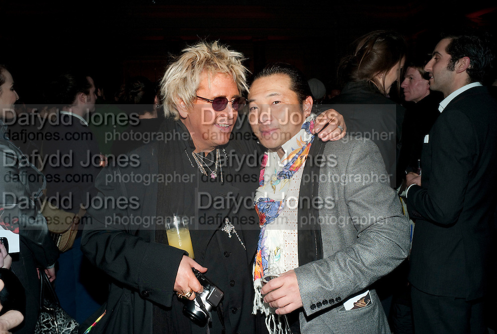 JUSTIN DAVIES, Yohji Yamamoto exhibition opening. V & A Museum. London. 10 March 2011. -DO NOT ARCHIVE-© Copyright Photograph by Dafydd Jones. 248 Clapham Rd. London SW9 0PZ. Tel 0207 820 0771. www.dafjones.com.