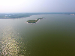August 16, 2017 - China - Liaocheng, CHINA (EDITORIAL USE ONLY. CHINA OUT) ..The Dongxing Lake Reservoir, located in Liaocheng, east China's Shandong Province, plays an important role in China's South-to-north Water Diversion Project. (Credit Image: © SIPA Asia via ZUMA Wire)