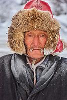 Mongolie, région de Bayan-Ulgii, transhumance d'hiver chez les nomades Kazakhs, Teleihan Hussein, 60 ans // Mongolia, Bayan-Ulgii province, winter transhumance of the Kazakh nomads, Teleihan Hussein, 60 old
