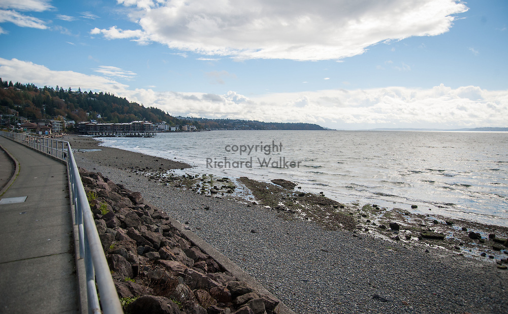 2016 October 18 - View south on the shore at Charles Richey Sr Viewpoint on Beach Drive SW, Alki, West Seattle, WA, USA. By Richard Walker
