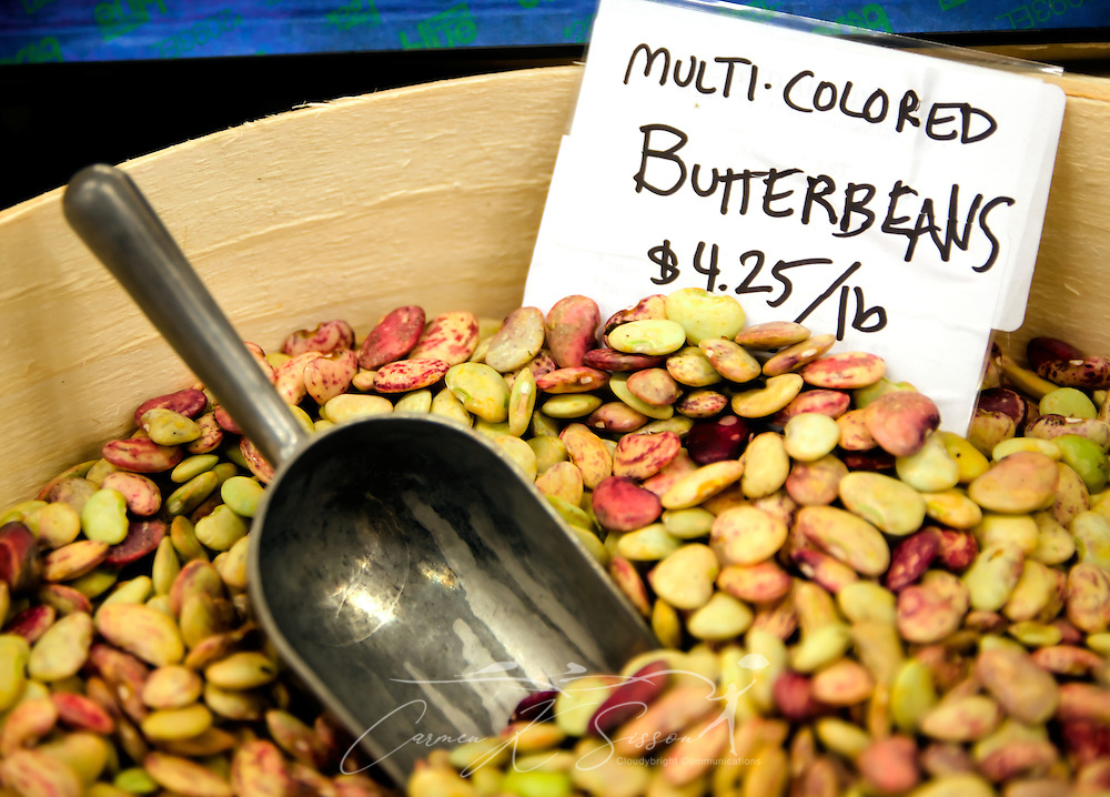 Locally-grown butter beans make for a colorful display at B.T.C. Old-Fashioned Grocery in Water Valley, Mississippi. The store carries a number of fresh meats, fruits, and vegetables grown by local farmers. (Photo by Carmen K. Sisson/Cloudybright)