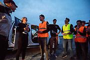 Iris Slappendel en Aniek Rooderkerken worden bedankt door het team na afloop van de zesde en laatste racedag. Het Human Power Team Delft en Amsterdam, dat bestaat uit studenten van de TU Delft en de VU Amsterdam, is in Amerika om tijdens de World Human Powered Speed Challenge in Nevada een poging te doen het wereldrecord snelfietsen voor vrouwen te verbreken met de VeloX 7, een gestroomlijnde ligfiets. Het record is met 121,81 km/h sinds 2010 in handen van de Francaise Barbara Buatois. De Canadees Todd Reichert is de snelste man met 144,17 km/h sinds 2016.<br /> <br /> With the VeloX 7, a special recumbent bike, the Human Power Team Delft and Amsterdam, consisting of students of the TU Delft and the VU Amsterdam, wants to set a new woman's world record cycling in September at the World Human Powered Speed Challenge in Nevada. The current speed record is 121,81 km/h, set in 2010 by Barbara Buatois. The fastest man is Todd Reichert with 144,17 km/h.