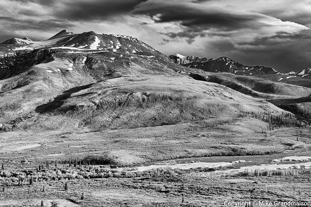 Ogilvie Mountains  along the Dempster Highway<br />Dempster Highway<br />Yukon<br />Canada<br />Dempster Highway<br />Yukon<br />Canada