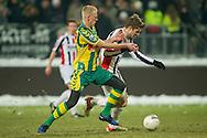 18-12-2010 ADO DEN HAAG - WILLEM II<br /> Lex Immers in duel met Jan-Arie van der Heijden<br /> foto: Geert van Erven