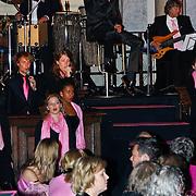 NLD/Amsterdam/20100929 - Pink Ribbon Gala 2010, Jim Bakkum treed op tijdens Pink Ribbon Gala