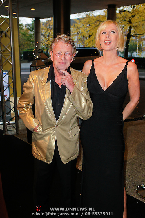 NLD/Amsterdam/20111029- JFK Greatest Man Award 2011, Monique des Bouvrie en partner Jan des Bouvrie