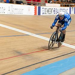 27-12-2019: Wielrennen: NK Baan: Alkmaar<br />Jeffrey Hoogland wint de eerste rit in de finale vna Mathijs Buchli
