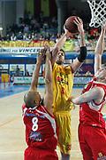 DESCRIZIONE : Frosinone Lega Basket A2 2011-12  Play Off Gara 4 Prima Veroli Giorgio Tesi Group Pistoia<br /> <br /> GIOCATORE : David Brkic<br /> <br /> CATEGORIA : tiro<br /> <br /> SQUADRA : Prima Veroli<br /> <br /> EVENTO : Campionato Lega A2 2011-2012<br /> <br /> GARA : Prima Veroli Giorgio Tesi Group Pistoia<br /> <br /> DATA : 15/05/2012<br /> <br /> SPORT : Pallacanestro <br /> <br /> AUTORE : Agenzia Ciamillo-Castoria/ A.Ciucci<br /> <br /> Galleria : Lega Basket A2 2011-2012 <br /> <br /> Fotonotizia : Frosinone Lega Basket A2 2011-12 Prima Veroli Giorgio tesi Group Pistoia<br /> <br /> Predefinita :