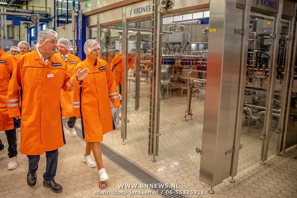 NLD/Lieshout/20190328 - Maxima aanwezig bij 300 jaar Brouwerij Bavaria, Maxima krijgt rondleiding door de fabriek