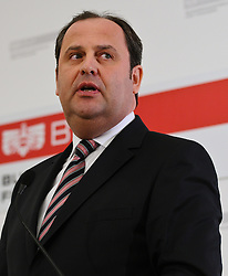 13.04.2011, Finanzministerium, Wien, AUT, Rücktritt Josef Proell von allen Aemtern, im Bild Josef Proell // during Press Conference recession minister of finance Josef Proell, AUT, Vienna, Treasury Department, 04-13-2011,  EXPA Pictures © 2011, PhotoCredit: EXPA/ M. Gruber