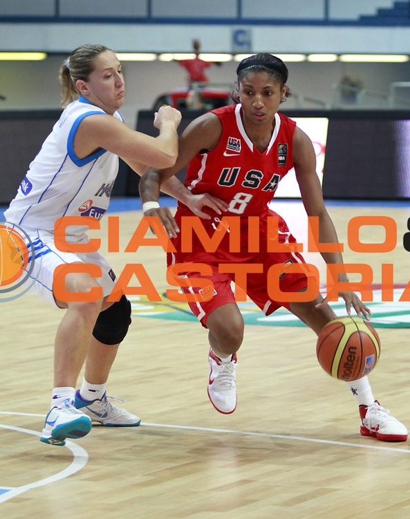 DESCRIZIONE : Ostrawa Repubblica Ceca Czech Republic Women World Championship 2010 Campionato Mondiale Preliminary Round Greece USA<br /> GIOCATORE : Angel MCCOUGHTRY<br /> SQUADRA : USA<br /> EVENTO : Ostrawa Repubblica Ceca Czech Republic Women World Championship 2010 Campionato Mondiale 2010<br /> GARA : Greece USA Grecia USA<br /> DATA : 23/09/2010<br /> CATEGORIA :<br /> SPORT : Pallacanestro <br /> AUTORE : Agenzia Ciamillo-Castoria/H.Bellenger<br /> Galleria : Czech Republic Women World Championship 2010<br /> Fotonotizia : Ostrawa Repubblica Ceca Czech Republic Women World Championship 2010 Campionato Mondiale Preliminary Round Greece USA<br /> Predefinita :
