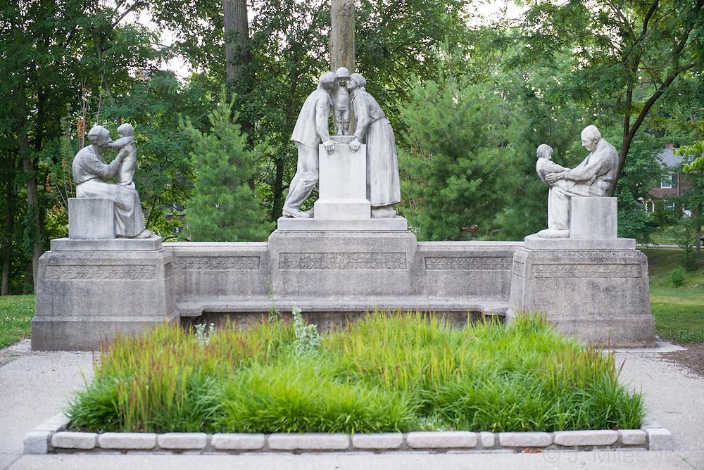 Mariemont Statues Cincinnati Ohio