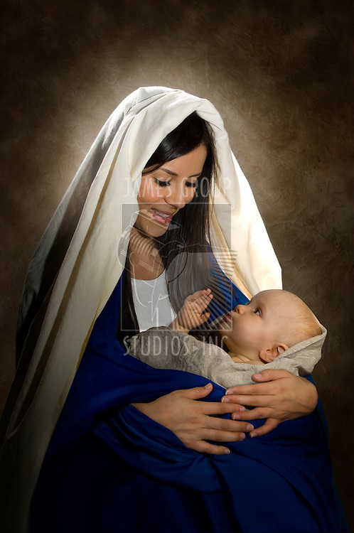 Vertical portrait of Mary and baby Jesus
