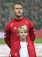 Anfører Simon Kjær (Danmark) under nationalsangene før EM Kvalifikationskampen mellem Danmark og Gibraltar den 15. november 2019 i Telia Parken (Foto: Claus Birch).
