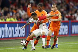 (L-R) Yoshimar Yotun of Peru, Georginio Wijnaldum of Holland, Ruud Vormer of Holland during the International friendly match match between The Netherlands and Peru at the Johan Cruijff Arena on September 06, 2018 in Amsterdam, The Netherlands