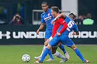 ALKMAAR - 04-10-2015, AZ - FC Twente, AFAS Stadion. ,FC Twente speler Chinedu Ede,  AZ speler Muamer Tankovic, FC Twente speler Felipe Gutierrez.