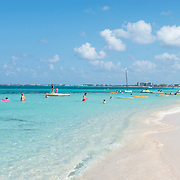 Seven Mile Beach. George Town, Grand Cayman.