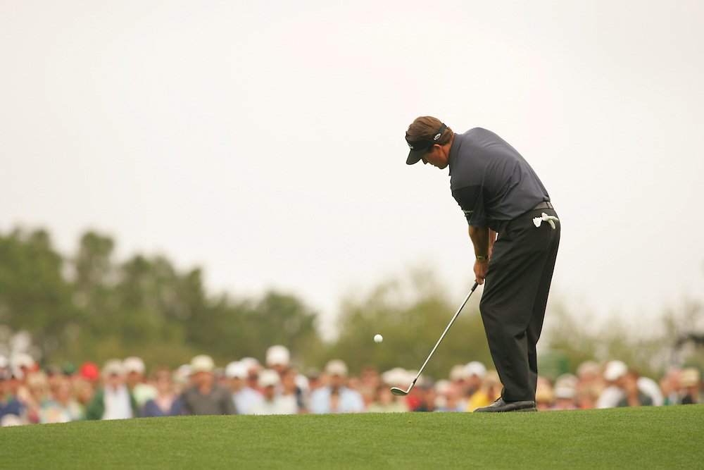 Phil Mickelson..2005 Masters Tournament.2nd round.Saturday, April 9 2005.Augusta National GC.Augusta, GA..photograph by Darren Carroll.4-9-05