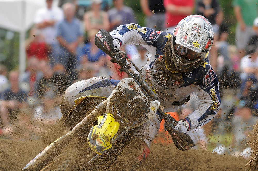 Tyler Medaglia eats a face full of roost..Richmond, On.
