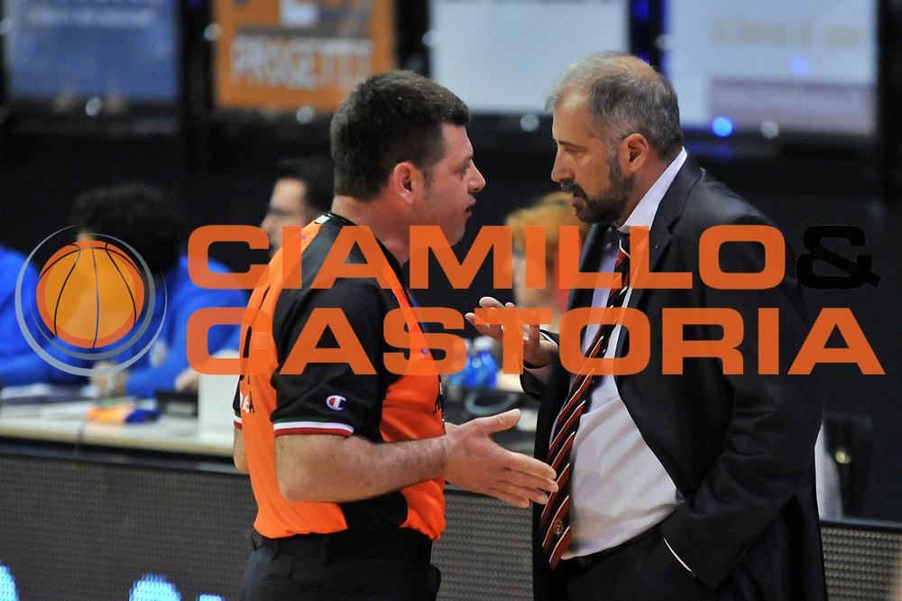 DESCRIZIONE : Biella LNP DNA Adecco Gold 2013-14 Angelico Biella Tezenis Verona<br /> GIOCATORE : Fabio Corbani Arbitro <br /> CATEGORIA : Arbitro Delusione Fairplay<br /> SQUADRA : Angelico Biella Arbitro<br /> EVENTO : Campionato LNP DNA Adecco Gold 2013-14<br /> GARA : Angelico Biella Tezenis Verona<br /> DATA : 13/04/2014<br /> SPORT : Pallacanestro<br /> AUTORE : Agenzia Ciamillo-Castoria/S.Ceretti<br /> Galleria : LNP DNA Adecco Gold 2013-2014<br /> Fotonotizia : Biella LNP DNA Adecco Gold 2013-14 Angelico Biella Tezenis Verona<br /> Predefinita :