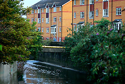UK ENGLAND LONDON 14AUG06 - Urban housing next to the concrete river bed of the Ravensbrook river running near Brookmill Park in Lewisham, south London...jre/Photo by Jiri Rezac..© Jiri Rezac 2006..Contact: +44 (0) 7050 110 417.Mobile:  +44 (0) 7801 337 683.Office:  +44 (0) 20 8968 9635..Email:   jiri@jirirezac.com.Web:    www.jirirezac.com..© All images Jiri Rezac 2006 - All rights reserved.