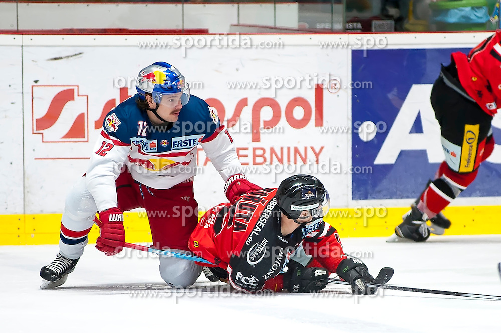 17.11.2015, Ice Rink, Znojmo, CZE, EBEL, HC Orli Znojmo vs EC Red Bull Salzburg, 21. Runde, im Bild v.l. Alexander Cijan (EC Red Bull Salzburg ) Antonin Boruta (HC Orli Znojmo) // during the Erste Bank Icehockey League 21th round match between HC Orli Znojmo and EC Red Bull Salzburg at the Ice Rink in Znojmo, Czech Republic on 2015/11/17. EXPA Pictures © 2015, PhotoCredit: EXPA/ Rostislav Pfeffer