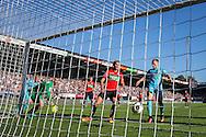 NIJMEGEN, NEC - Feyenoord, voetbal, Eredivisie seizoen 2016-2017, 16-10-2016, Stadion de Goffert, Feyenoord speler Nicolai Jorgensen (2R) scoort de 1-1, NEC speler Dario Dumic (M), NEC keeper Joris Delle (2L), Feyenoord speler Dirk Kuyt (L).