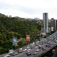 Trafico en la autopista del Este, Caracas, Distrito Federal, Venezuela