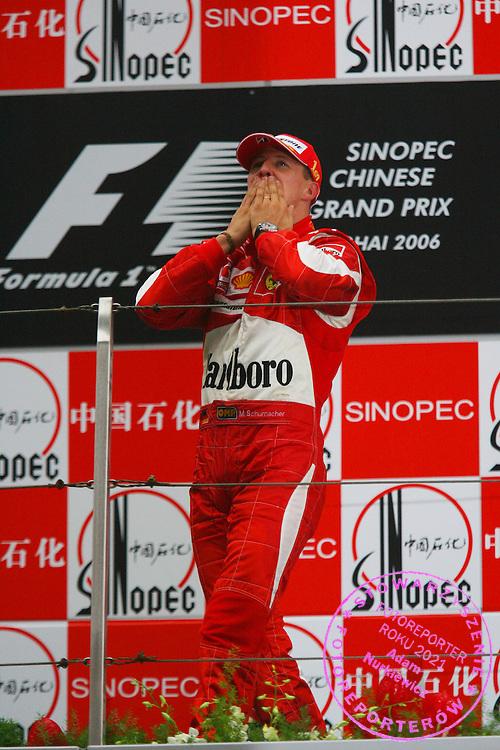01.10.2006 Shanghai, China, ..Michael Schumacher (GER), Scuderia Ferrari - Formula 1 World Championship, Rd 16, Chinese Grand Prix, Sunday Podium ..FOT. XPB.CC / WROFOTO..*** POLAND ONLY !!! ***