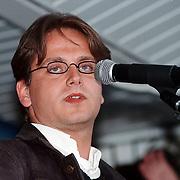 Braderie Huizen 1998, optreden Guus Meeuwis & Vagant zingend