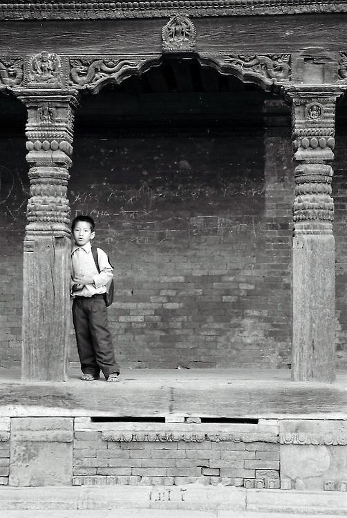 Le temps que la pluie passe il vaut mieux rester à l'abris! Bhaktapur, Népal. 2008