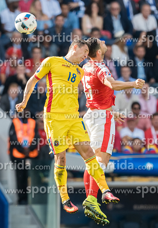 15.06.2016, Parc de Princes, Paris, FRA, UEFA Euro, Frankreich, Rumaenien vs Schweiz, Gruppe A, im Bild Andrei Prepelita (ROU), Blerim Dzemaili (SUI) // Andrei Prepelita (ROU) Blerim Dzemaili (SUI) during Group A match between Romania and Switzerland of the UEFA EURO 2016 France at the Parc de Princes in Paris, France on 2016/06/15. EXPA Pictures © 2016, PhotoCredit: EXPA/ JFK