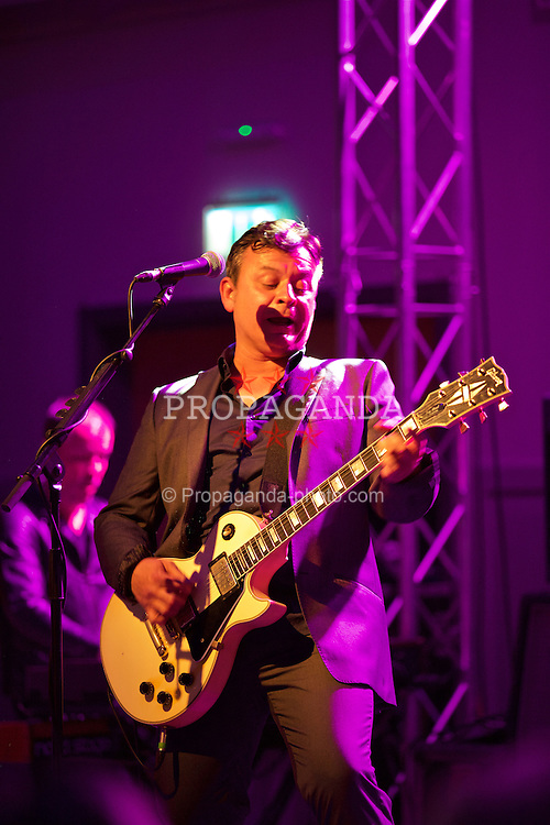 CARDIFF, WALES - Wednesday, June 1, 2016: James Dean Bradfield of The Manic Street Preachers performs for the Wales team during a charity send-off gala dinner at the Vale Resort Hotel ahead of the UEFA Euro 2016. (Pic by David Rawcliffe/Propaganda)